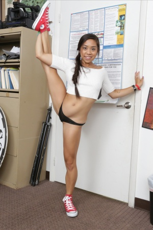 Petite Asian Teen Squirt