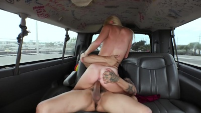 Dirty amateur Riley Star get pounded in the backseat