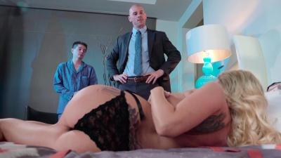 Husband watching as boss bangs his wifey Christie Stevens