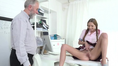 Old and young sex during a private lesson with Paris Devine