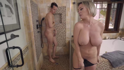 Busty cougar Dee Williams going down on her hung stepson