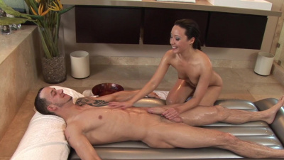 Miko Sinz offers her oriental pussy to eat for a hungry client