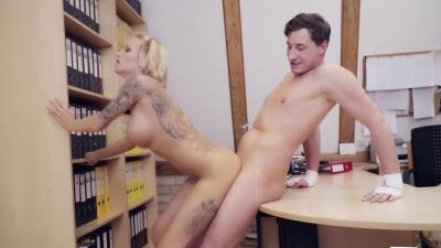 German secretary Roxxy X serves her boss's big cock after work