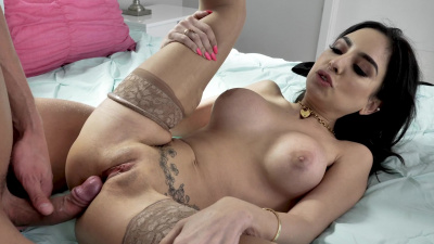 Business babe Trinity St Clair closes a deal with a juicy creampie