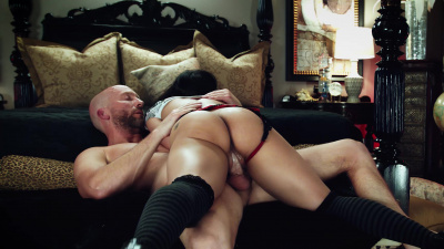 Little rocker babe Jackie Rogen eager to get her cunt stuffed