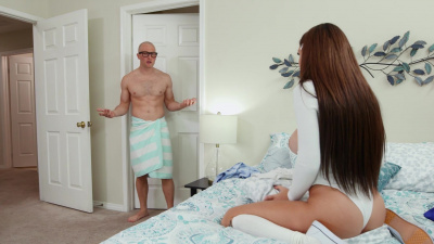 Gabbie Carter sneaks in house her professor Zac Wild to fuck with him