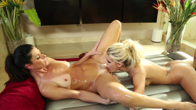Jessa Rhodes helps India Summer experience all facets of pleasure