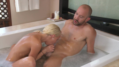 Tall blonde Destiny Jaymes gives happy ending to her client